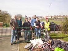 Volunteering: Big-Tidy-Up-at-Prittle-Brook