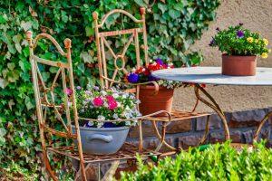 garden seating area