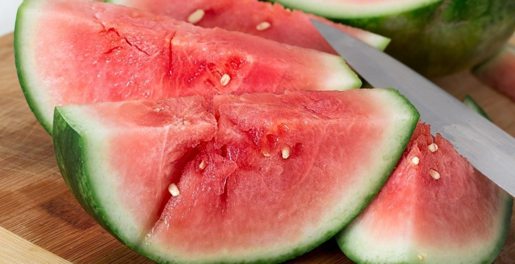 Watermelon or vegetable juice to break a water fast